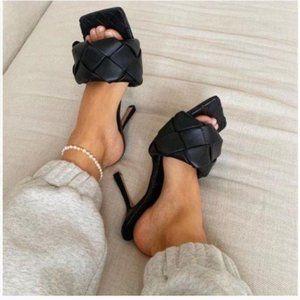🚨RESTOCKED🚨 Black Woven Square Toe Mules